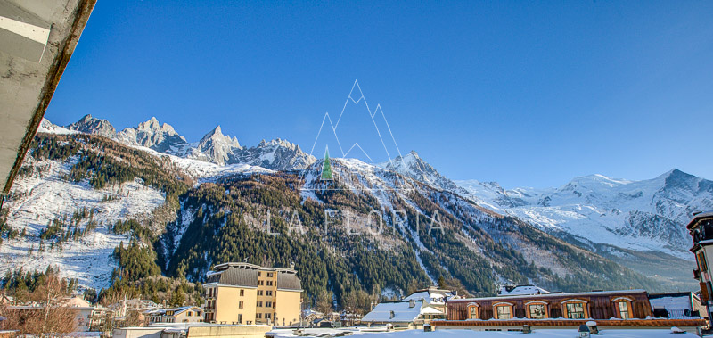 GRAND APPARTMENT T4 DE 125 M2 AU CENTRE DE CHAMONIX