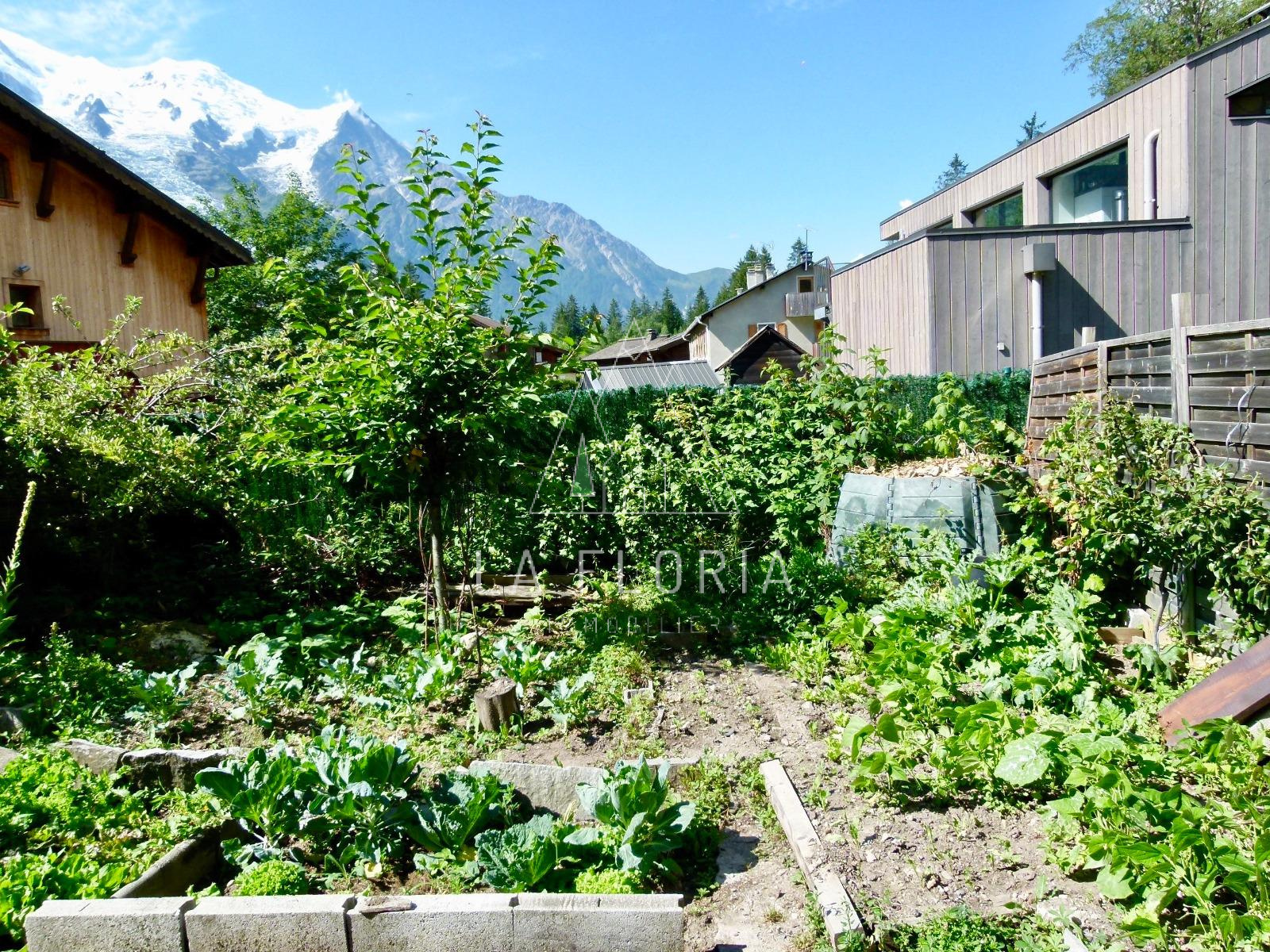 CHALET SPLIT IN RENTAL APARTMENTS, CHAMONIX LES PRAZ