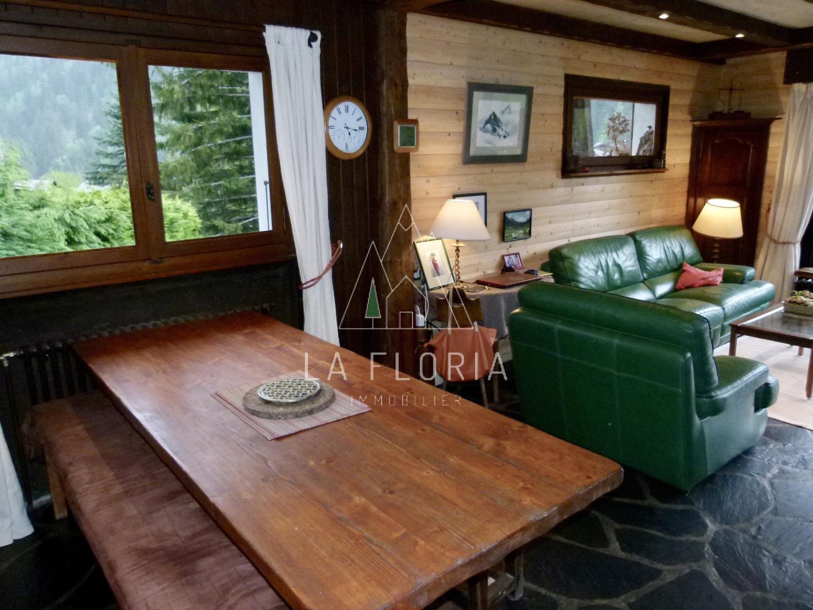 CHALET FAMILIAL DE 288 m2 FACE  LA CHAINE DU MONT-BLANC, CHAMONIX
