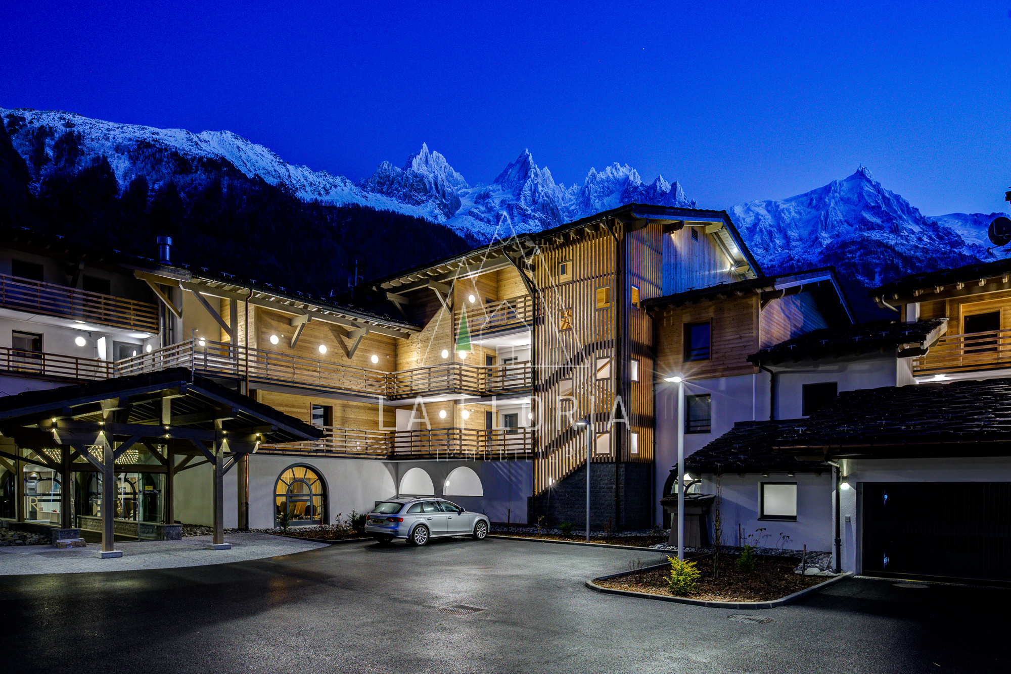 2 BEDROOM 61 M2 APARTMENT IN NEW LUXURY DEVELOPMENT, CHAMONIX LES PRAZ