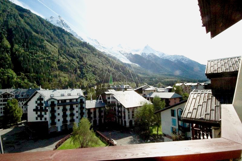 TOP FLOOR ONE BEDROOM FLAT, CHAMONIX CENTER
