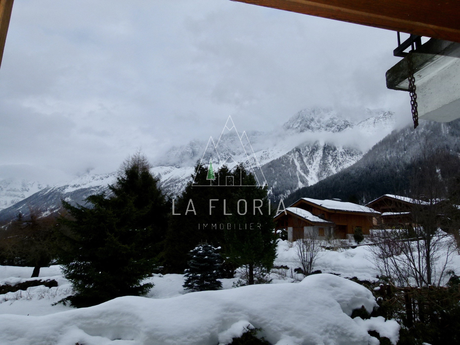 7 BEDROOM CHALET LES HOUCHES