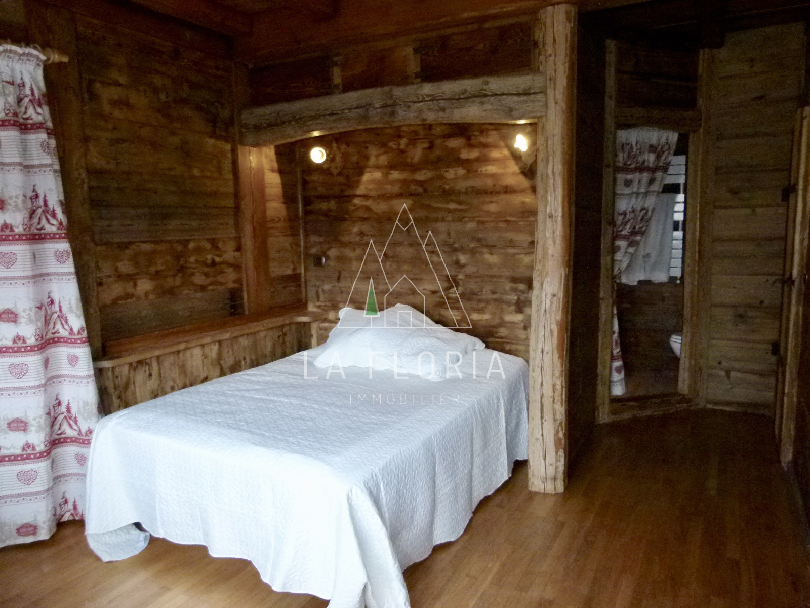 AMAZING REFURBISHED TRIPLEX APARTMENT IN FARM, CHAMONIX LES MOUSSOUX