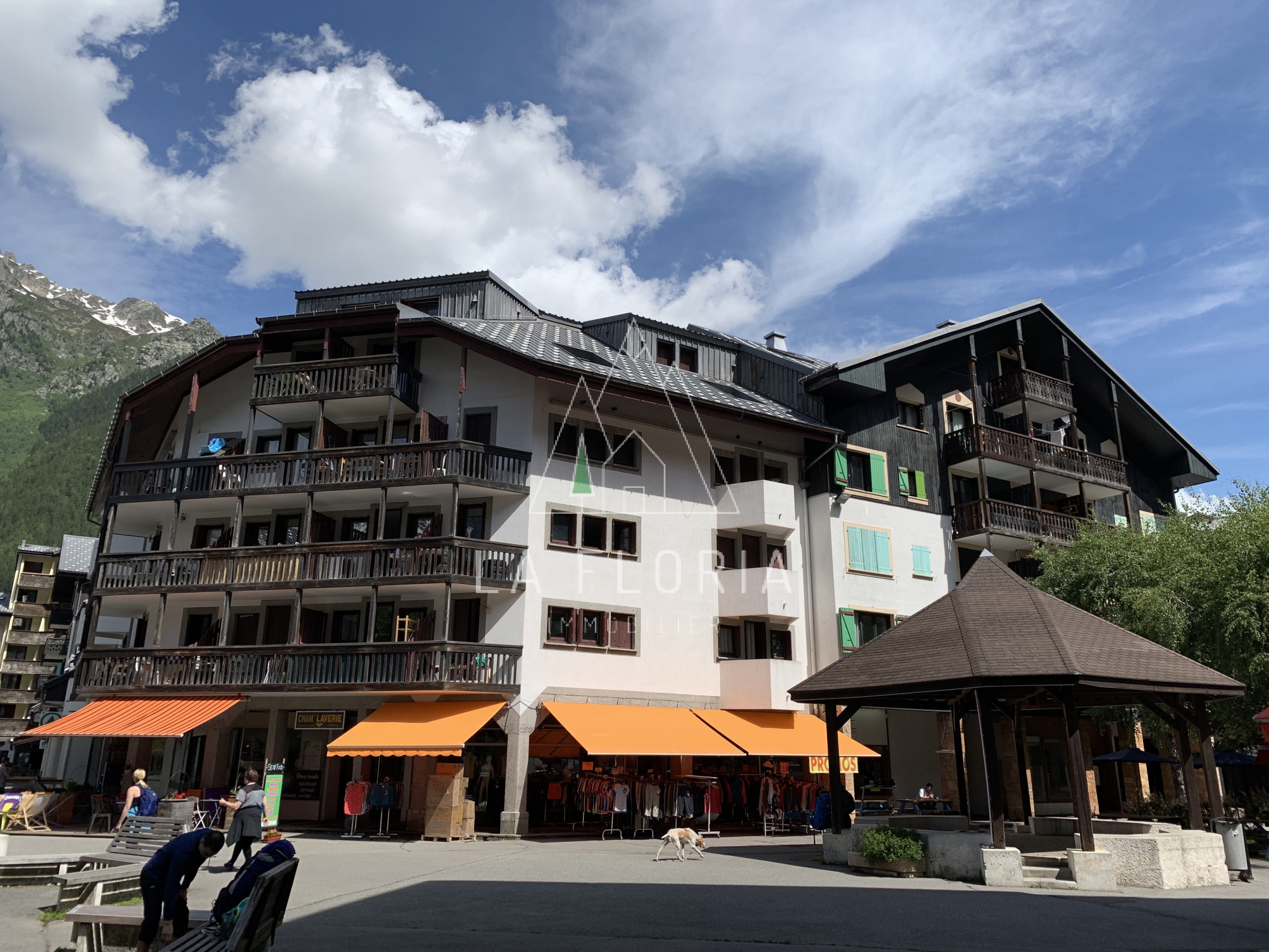 TWO BEDROOM DUPLEX TOP FLOOR APARTMENT, CHAMONIX CENTRE