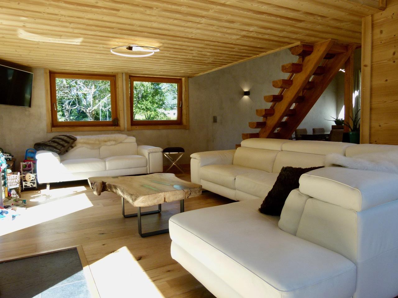 4 BEDROOM NEWBUILT CHALET IN CHAMONIX CENTER