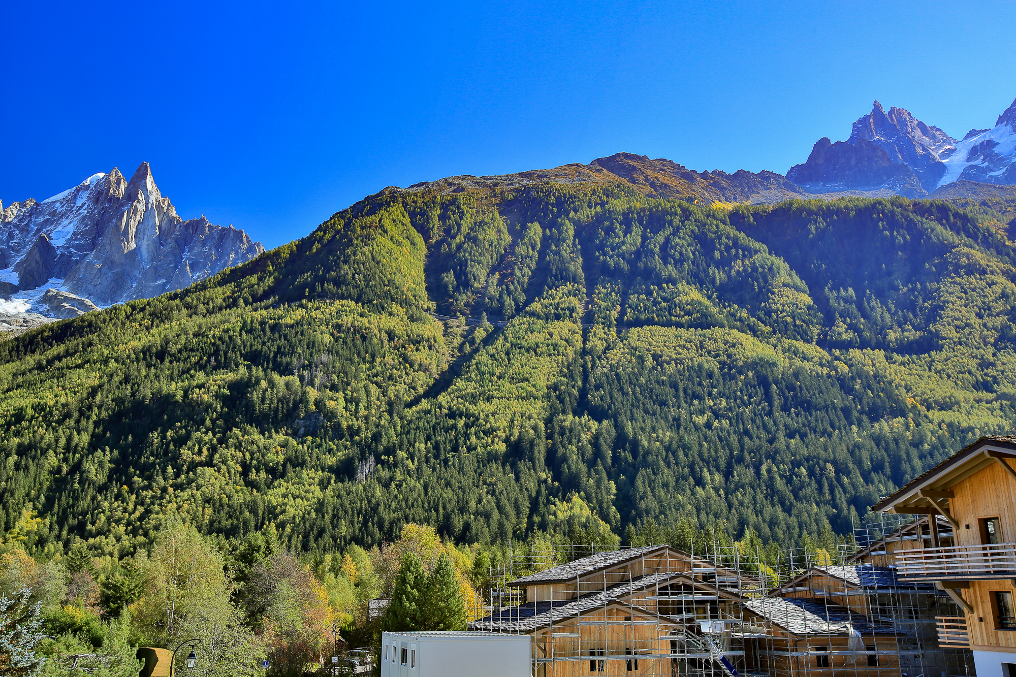 2 BEDROOM 63 M2 APARTMENT IN NEW LUXURY DEVELOPMENT, CHAMONIX LES PRAZ